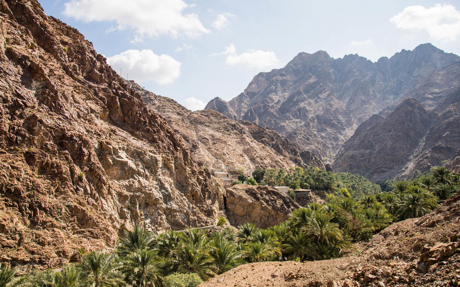 Wadi Shees Mountains